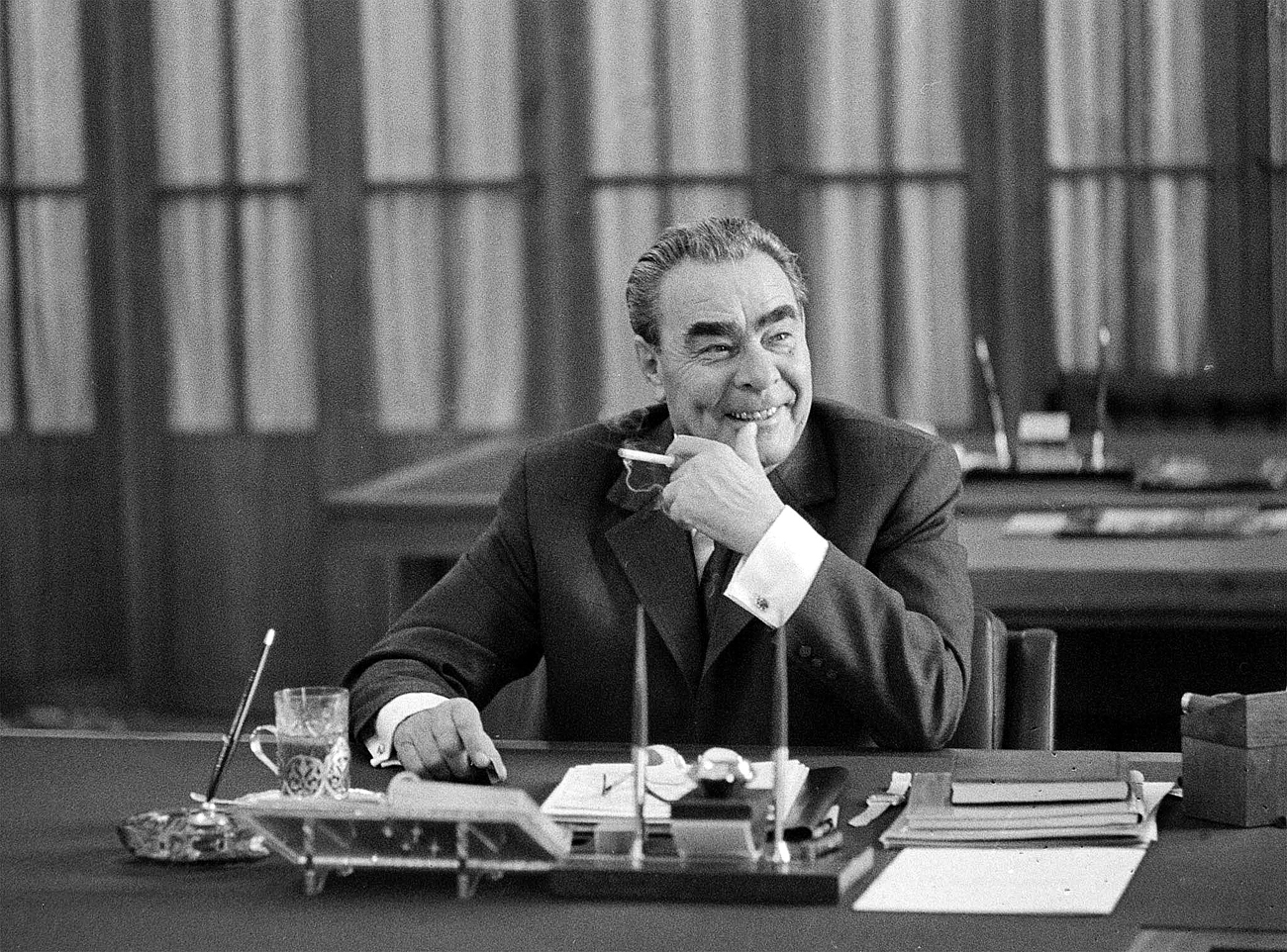 Leonid Brezhnev as statesman and performer
